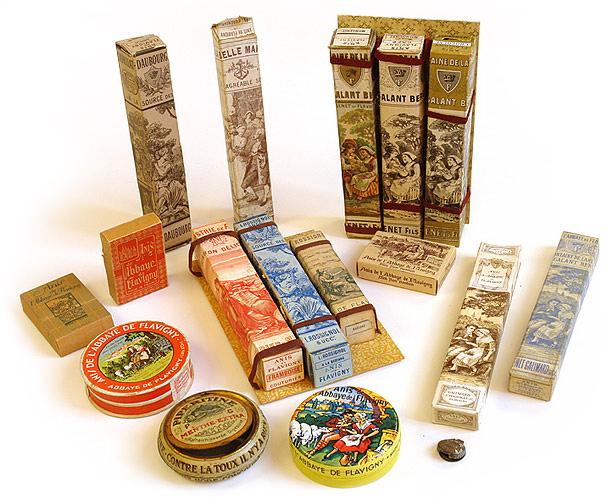 les anciens étuis et boîtes de bonbons fabriqués en France.